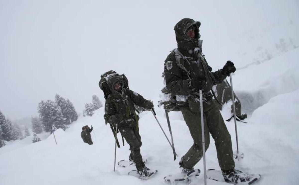 Παραμένει υποχρεωτική η στρατιωτική θητεία για τους αυστριακούς | Newsit.gr