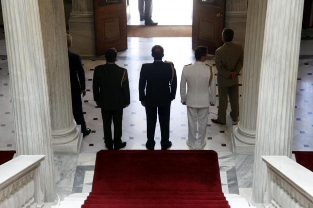 Ο «πόλεμος των κρίσεων», οι Αρχηγοί και οι κυβερνητικές προθέσεις. Ποιοι θέλουν αλλαγές; | Newsit.gr