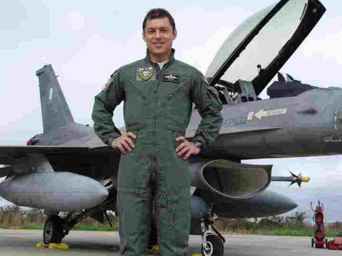 Έχασε τη μάχη και το δεύτερο ιπτάμενο παληκάρι – Σε κλίμα οδύνης η κηδεία του | Newsit.gr