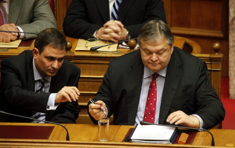 Υπολόγισαν λάθος την ανεργία στον Προϋπολογισμό του 2012! | Newsit.gr