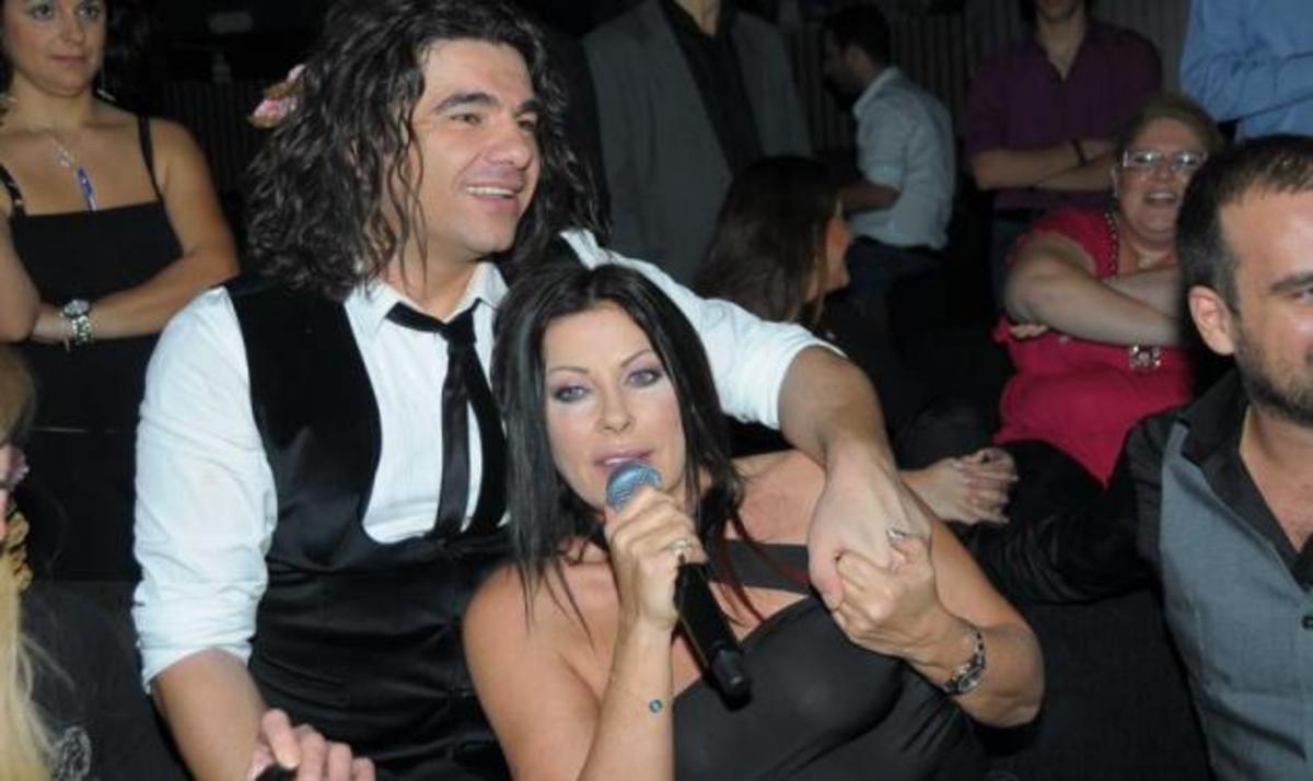 Τι τραγούδησε η Άντζελα δημητρίου μαζί με το Νίκο Κουρκούλη; | Newsit.gr
