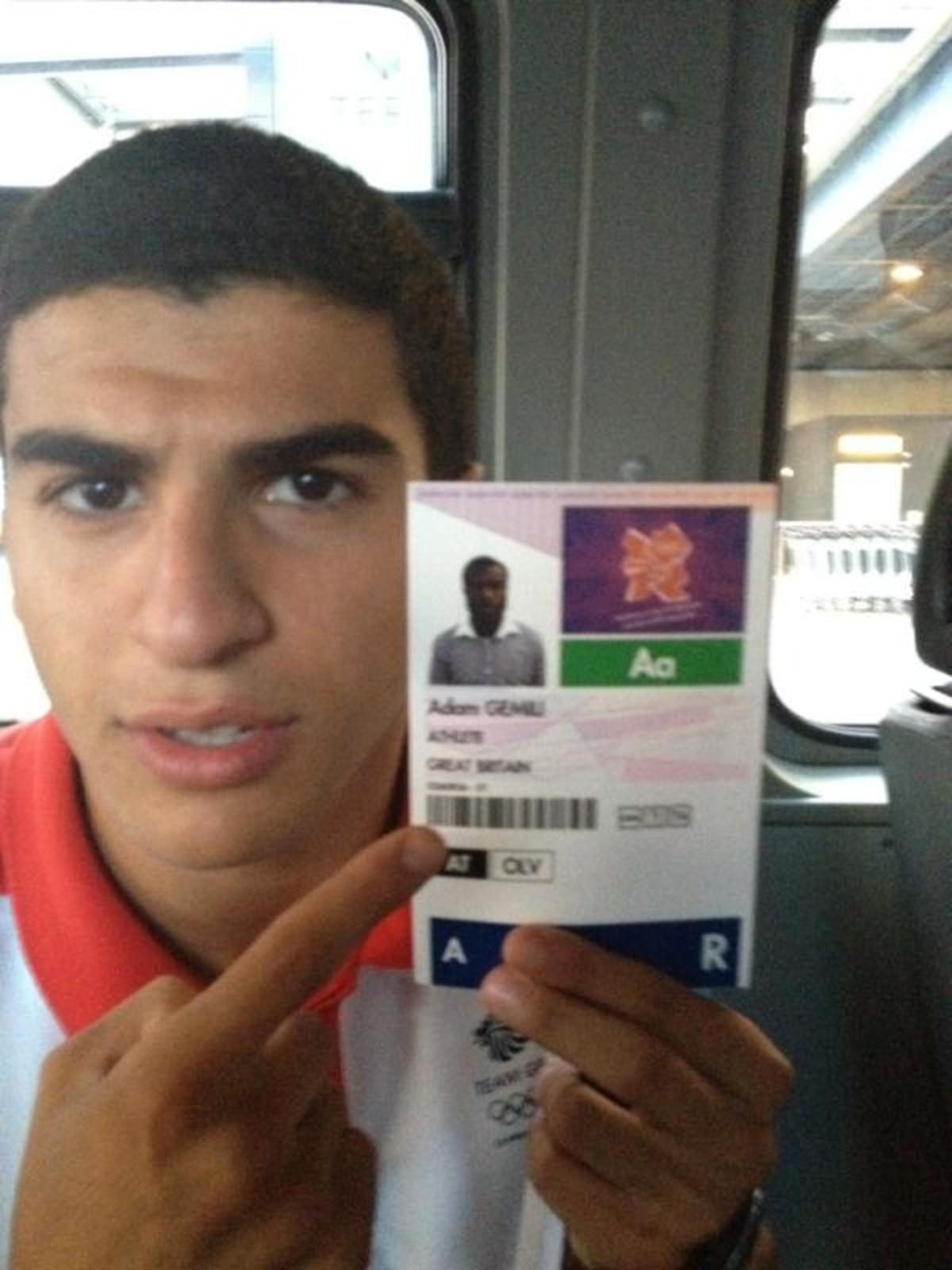 Νεα γκάφα! Έδωσαν σε λευκό βρετανό αθλητή διαπίστευση με φωτογραφία μαύρου | Newsit.gr