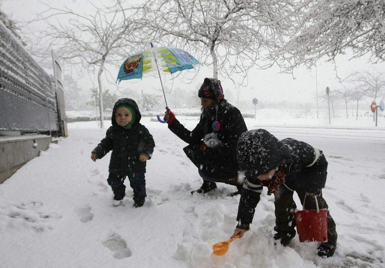 Ο χειμώνας επέστρεψε σε Γαλλία και Ισπανία   Newsit.gr