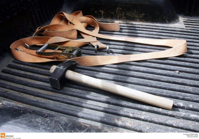 Επιτέθηκαν με βαριοπούλα σε ζευγάρι | Newsit.gr