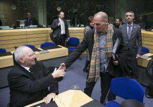 Βαρουφάκης: Σόιμπλε και Ντάισελμπλουμ ήθελαν να μας εξευτελίσουν – Αυτοί φταίνε για το κλείσιμο των τραπεζών