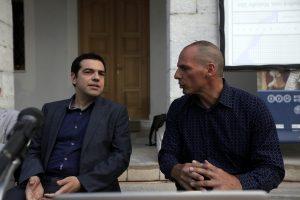 Καρφιά Βαρουφάκη σε Τσίπρα: Παραδόθηκε και συνεχίζει την κρίση