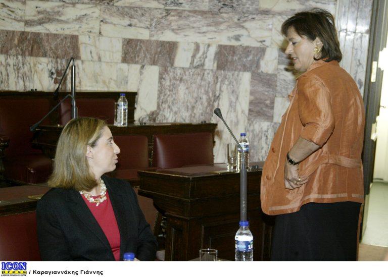 Στο αντάρτικο ξανά η Βάσω – Απείλησε οτι δεν θα ψηφίσει άρθρα ν/σ για τις προμήθειες των νοσοκομείων | Newsit.gr