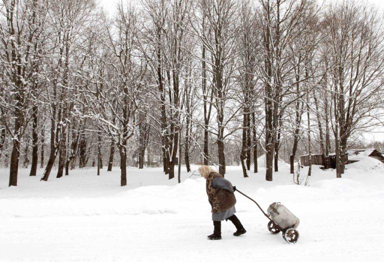 Βέλγιο: Χωρίς ρεύμα 100.000 σπίτια λόγω χιονοπτώσεων | Newsit.gr