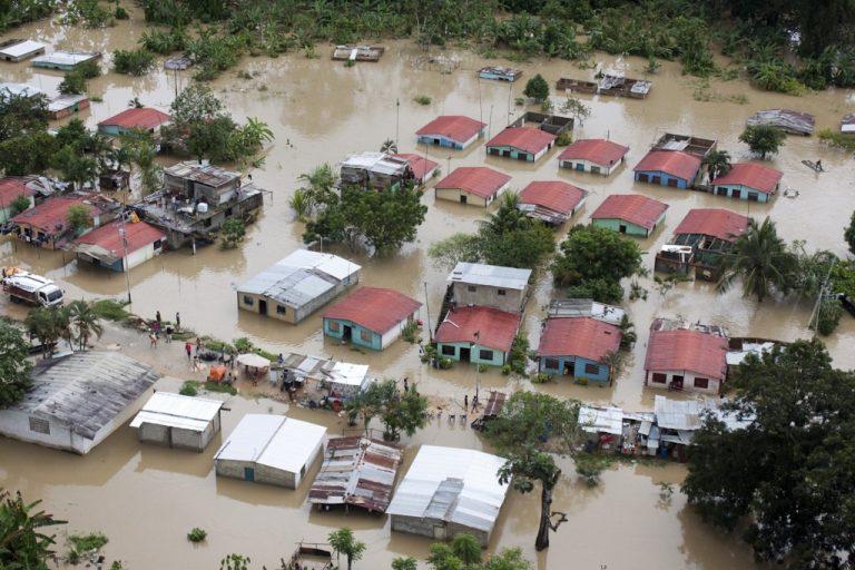 Βενεζουέλα: 21 νεκροί από τις πλημμύρες και τις κατολισθήσεις   Newsit.gr