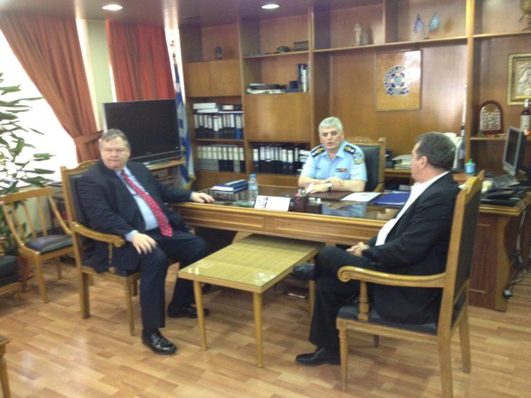 Βενιζέλος: στηρίζουμε τους αστυνομικούς και το έργο τους | Newsit.gr