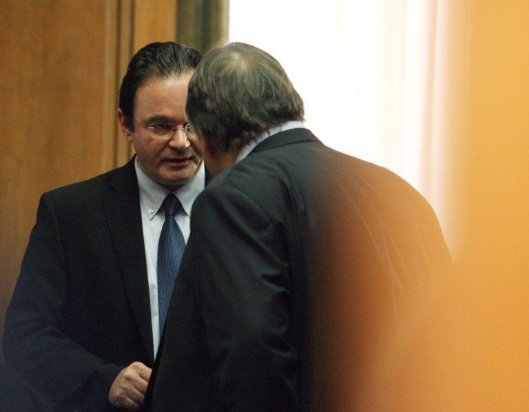 Κατέθεσαν στον οικονομικό εισαγγελέα Βενιζέλος και Παπακωνσταντίνου | Newsit.gr