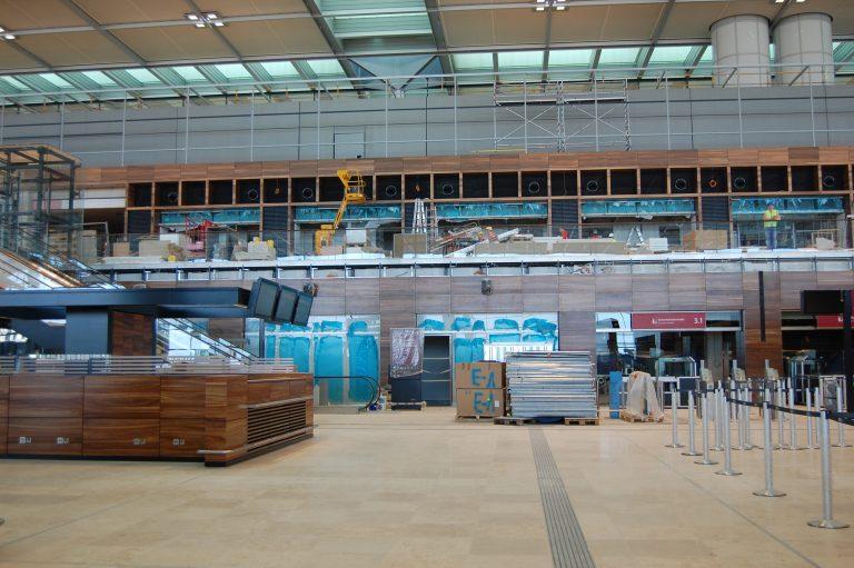 Αναβλήθηκαν και πάλι τα εγκαίνια του νέου αεροδρομίου του Βερολίνου | Newsit.gr