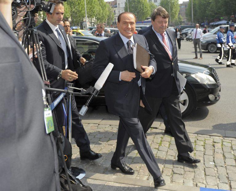 Μπερλουσκόνι: «Δεν είναι ύβρις να βγούμε από το ευρώ, ώστε να προχωρήσουμε σε ανταγωνιστική υποτίμηση» | Newsit.gr