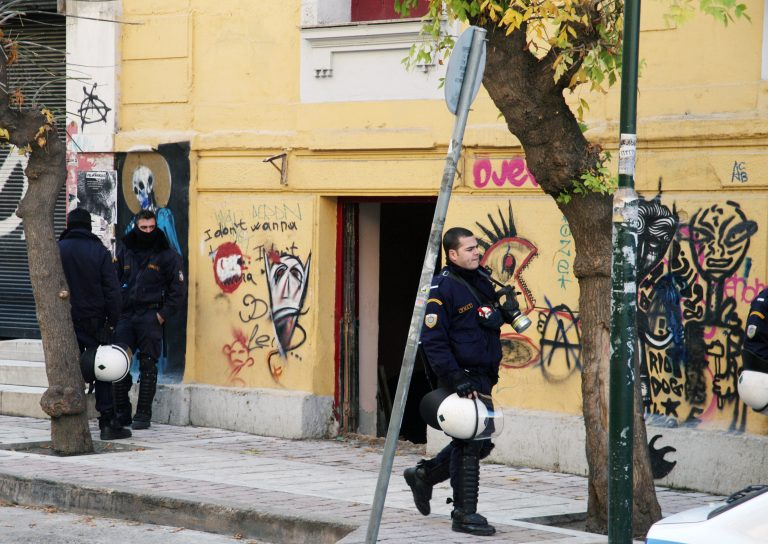 Της Αμαλίας… μεταξύ των κομμάτων – Ν.Δ: «Συγγενείς βουλευτών του ΣΥΡΙΖΑ στους συλληφθέντες» – «Σίμο Γκέμπελς Κεδίκογλου» η απάντηση ΣΥΡΙΖΑ | Newsit.gr