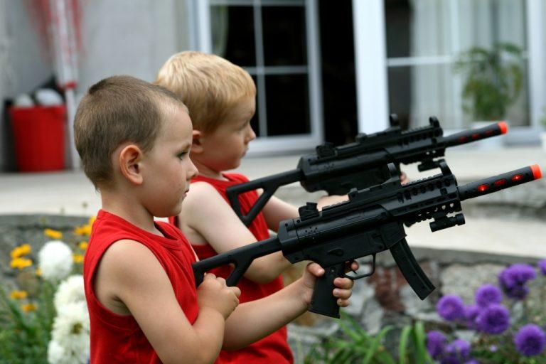 8χρονος αγόρασε γεμάτο όπλο στο σχολείο του! | Newsit.gr