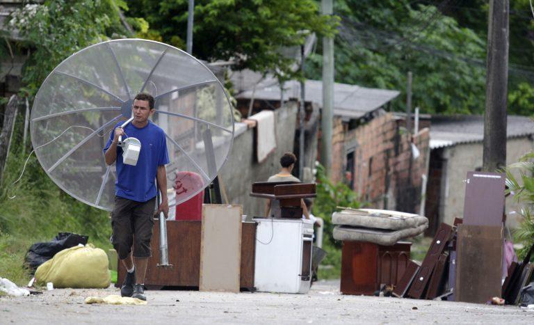 224 νεκροί απο πλημμύρες | Newsit.gr