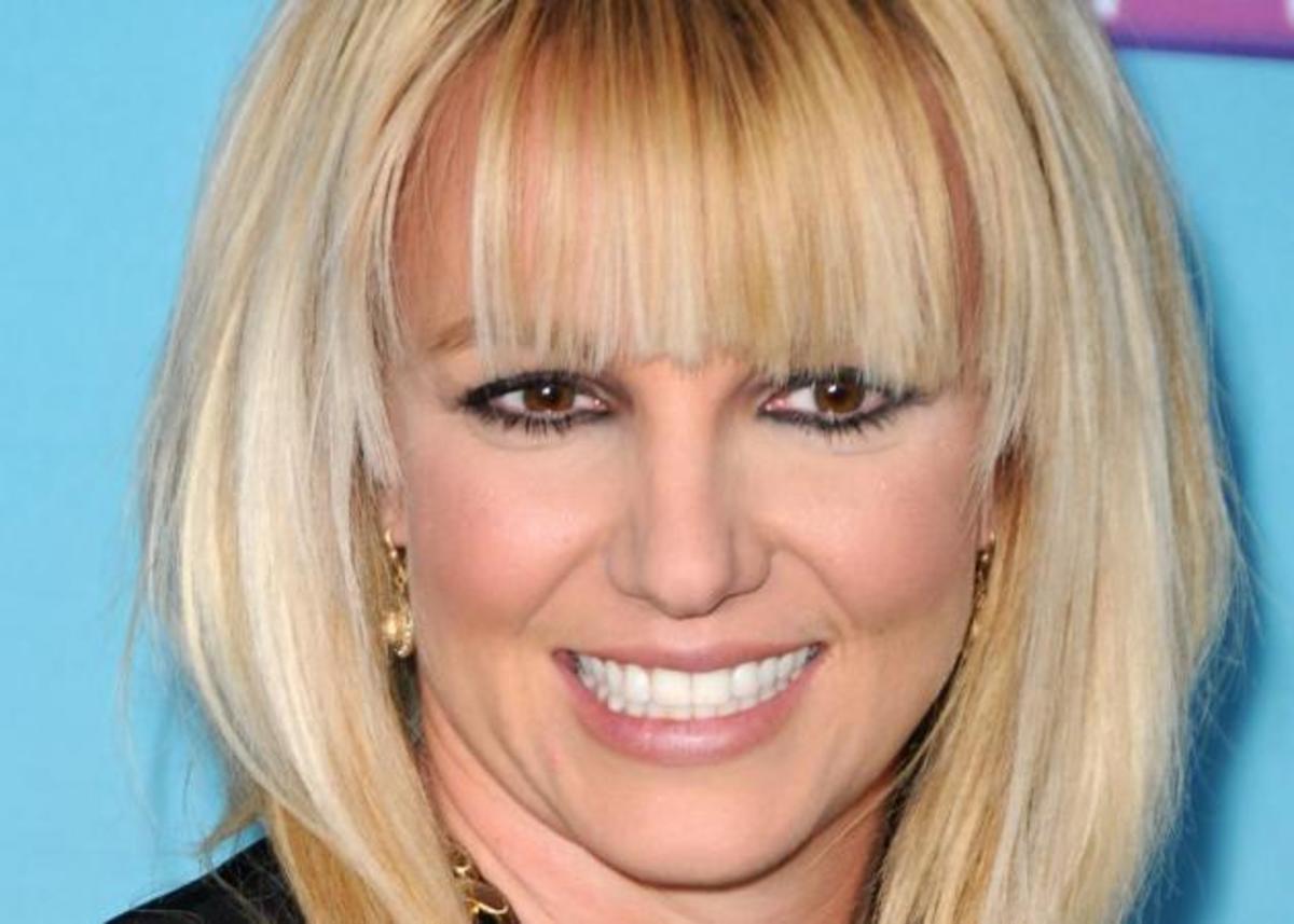 Η Britney Spears έγινε καστανή! Α! Και είναι αγνώριστη! | Newsit.gr