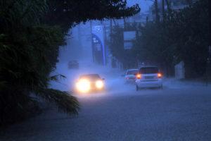 Καιρός: Καταιγίδα στην Αθήνα – Πτώση της θερμοκρασίας και κακοκαιρία παντού