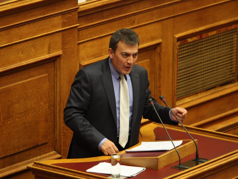 Μισό δισ. από ενοίκια κόβει το υπουργείο Εργασίας | Newsit.gr