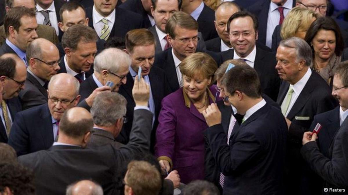 Γερμανικά προεκλογικά παιχνίδια έσπασαν το ταμπού των καταθέσεων | Newsit.gr