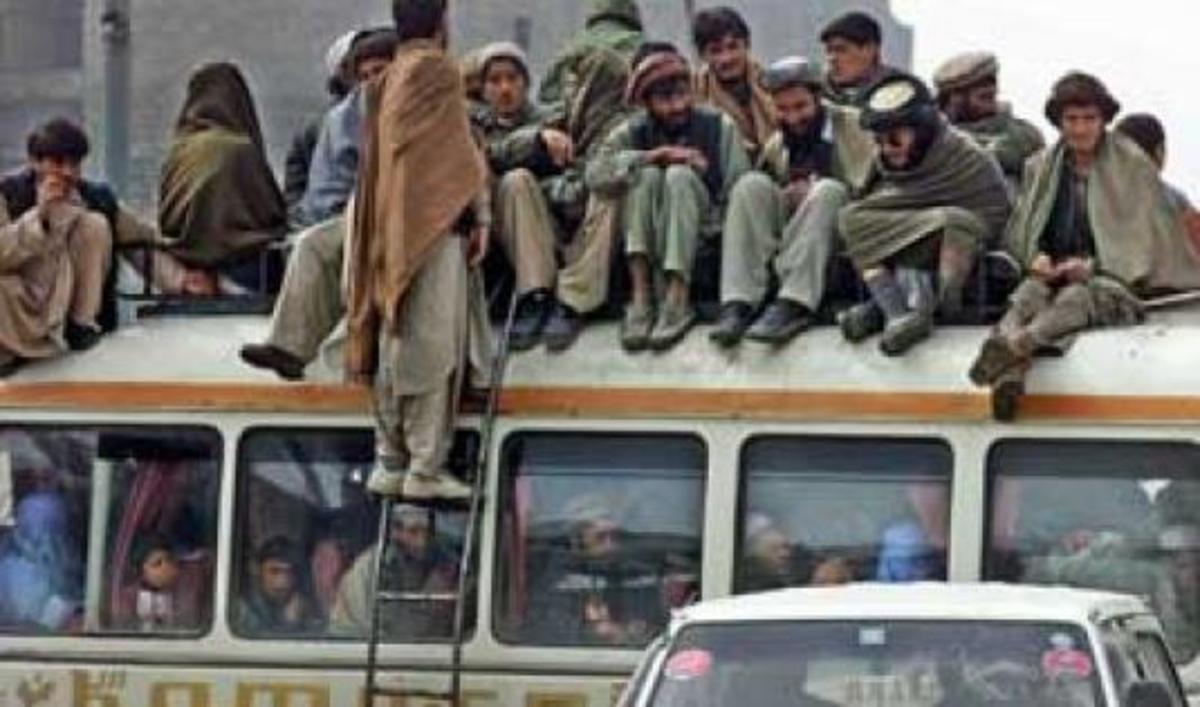 12 άμαχοι σκοτώθηκαν σε έκρηξη βόμβας στο Αφγανιστάν   Newsit.gr