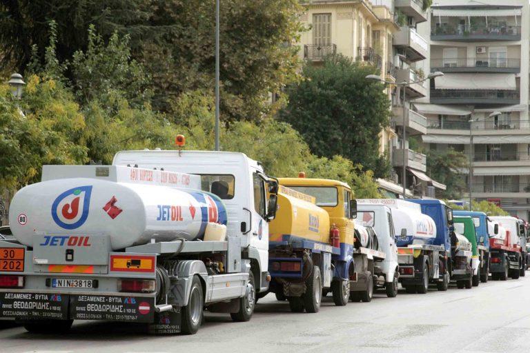 Τα ΜΑΤ δεν άφησαν τους βυτιοφορείς να φτάσουν στο Σύνταγμα   Newsit.gr