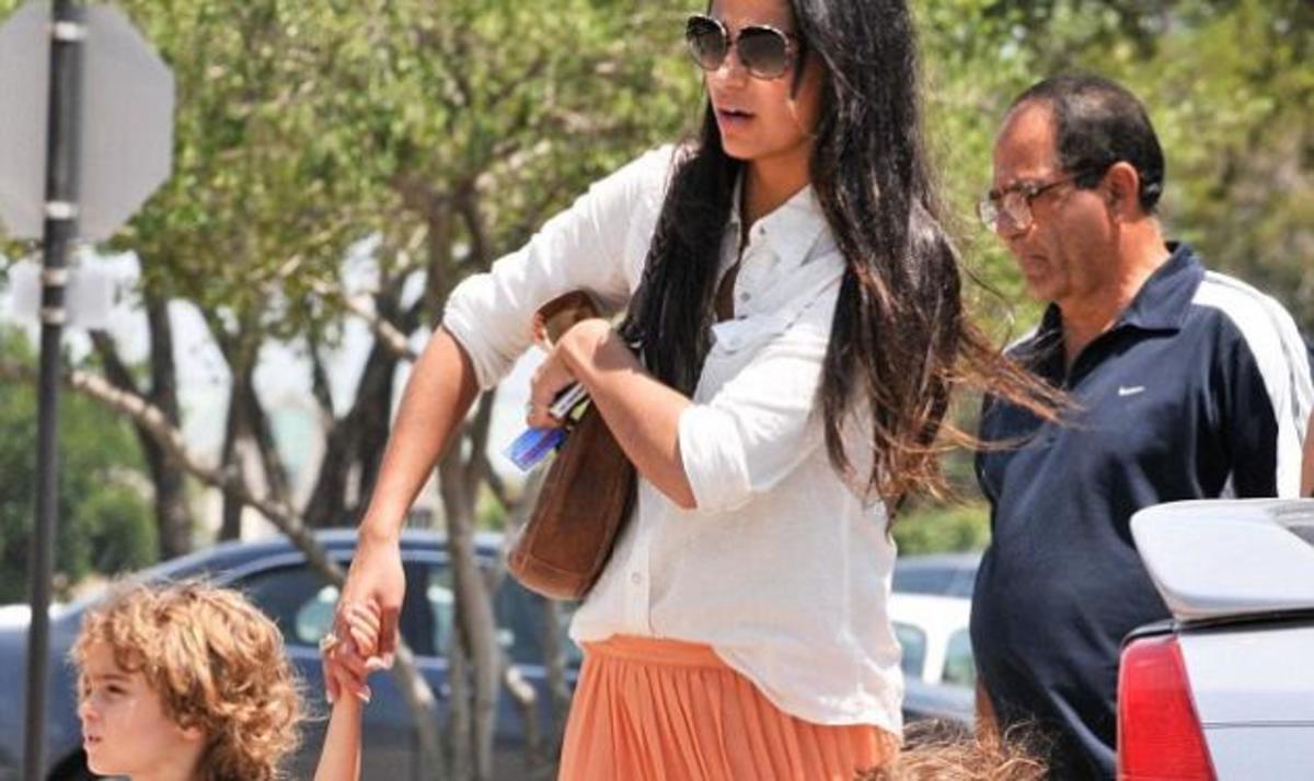 Η σύζυγος του M. McConaughey μας δείχνει το δαχτυλίδι της!   Newsit.gr