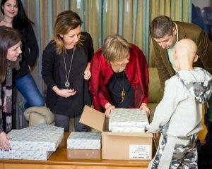 Περισσότερα παιδικά χαμόγελα χαρίζει το Cosmotebooks.gr τα φετινά Χριστούγεννα