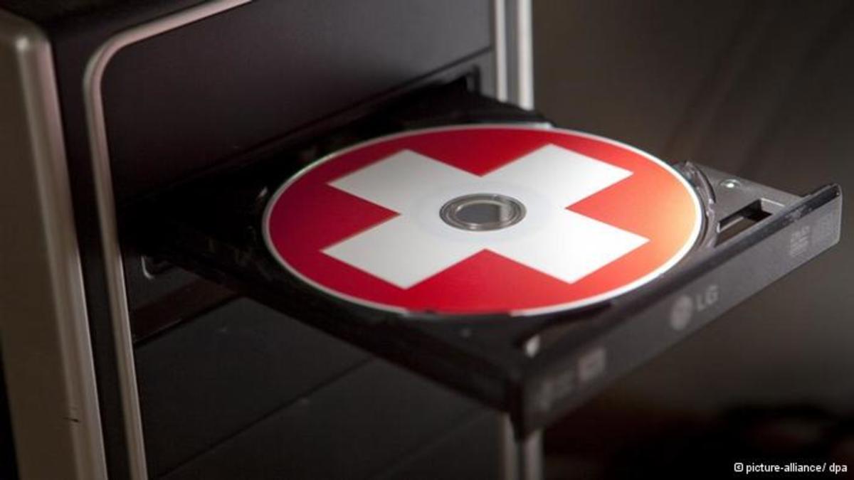 Νέο CD με ονόματα 1.000 φοροφυγάδων | Newsit.gr
