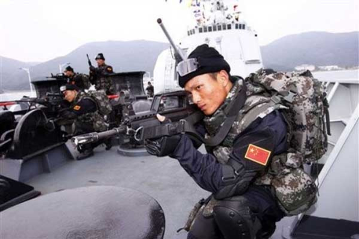 Στέλνει πολεμικά πλοία η Κίνα στα νησιά που διεκδικεί η Ιαπωνία | Newsit.gr