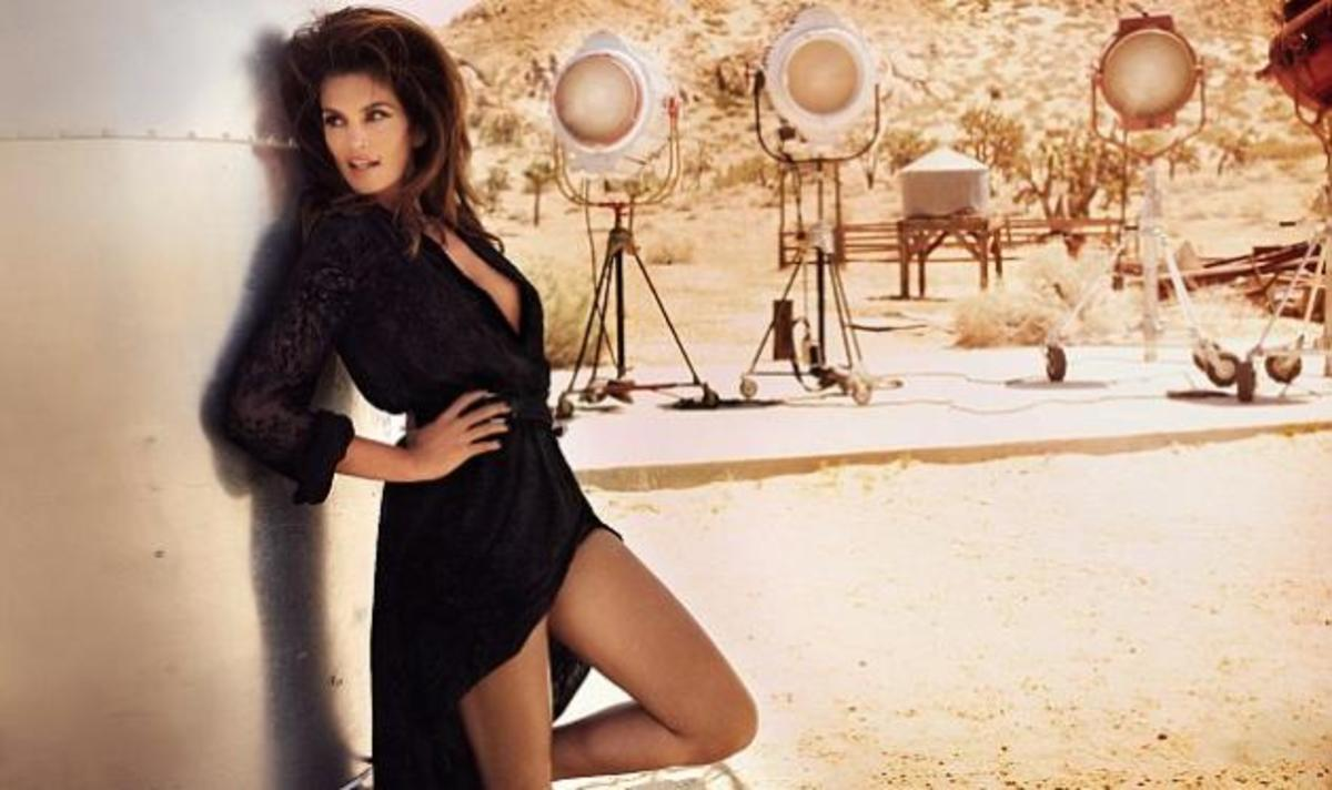 Cindy Crawford! Στα 46 της ποζάρει για εξώφυλλο και είναι το ίδιο sexy με παλιά! Δες photo τότε και τώρα! | Newsit.gr