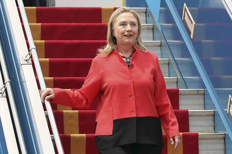 Ιστορική επίσκεψη της Χ.Κλίντον στο Λάος | Newsit.gr