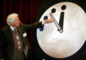 Σχεδόν μεσάνυχτα δείχνει το ρολόι της Αποκάλυψης!