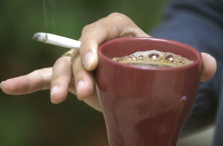 Τσιγάρο και καφές κατά του Πάρκινσον; | Newsit.gr