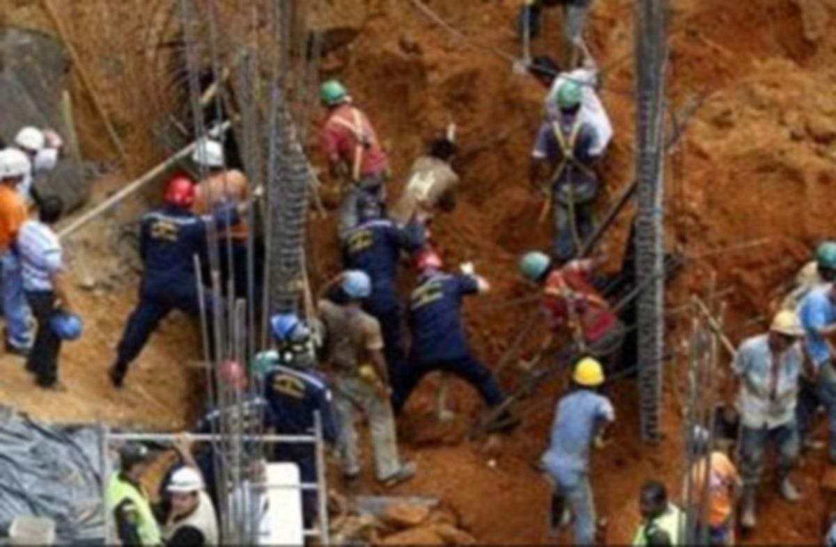 Κατέρρευσε οικοδομή – Νεκροί 8 εργάτες   Newsit.gr