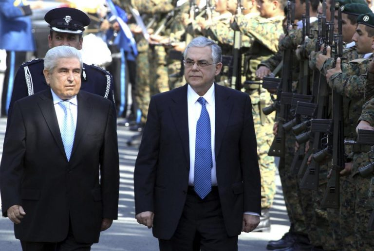 Λ.Παπαδήμος: «Δεν υπάρχει ούτε μέρα για χάσιμο και για χαλάρωση του κυβερνητικού έργου» | Newsit.gr