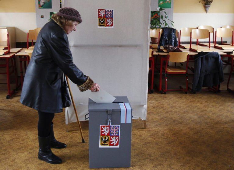 Τσεχία: Ποιοι πάνε στο β' γύρο εκλογών; | Newsit.gr