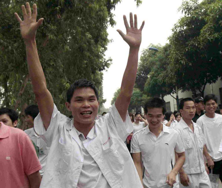 Τα φτηνά εργατικά χέρια της Κίνας σηκώθηκαν και διεκδικούν | Newsit.gr