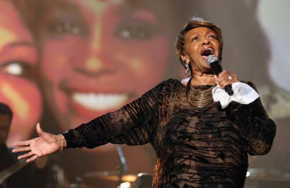 Η συγκλονιστική ερμηνεία της μητέρας της Whitney Houston για την κόρη της!   Newsit.gr