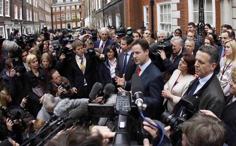 Προς κυβέρνηση Τόρις – Φιλελευθέρων στη Βρετανία | Newsit.gr