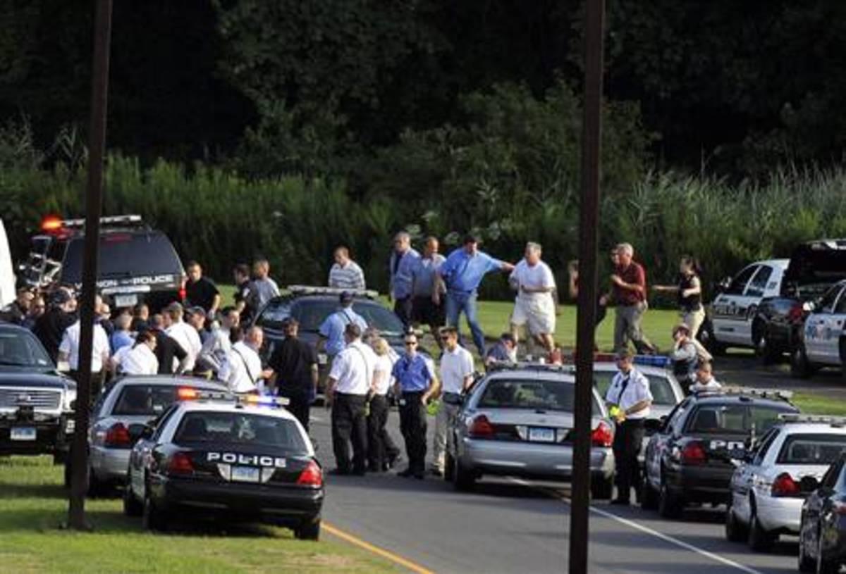 Άγριο μακελειό – Απολυμένος σκότωσε οκτώ άτομα και αυτοκτόνησε   Newsit.gr