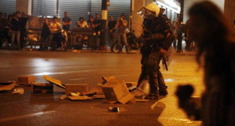 """""""Πνίγηκε"""" από τα δακρυγόνα ο Βόλος – Επεισόδια με τους οπαδούς   Newsit.gr"""