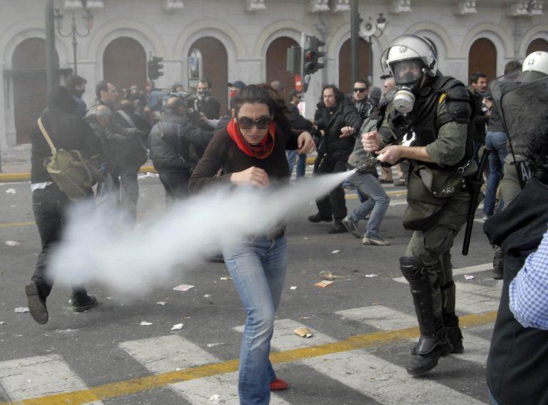 Εσωτερική έρευνα στην αστυνομία για την επίθεση στον Μ.Γλέζο | Newsit.gr