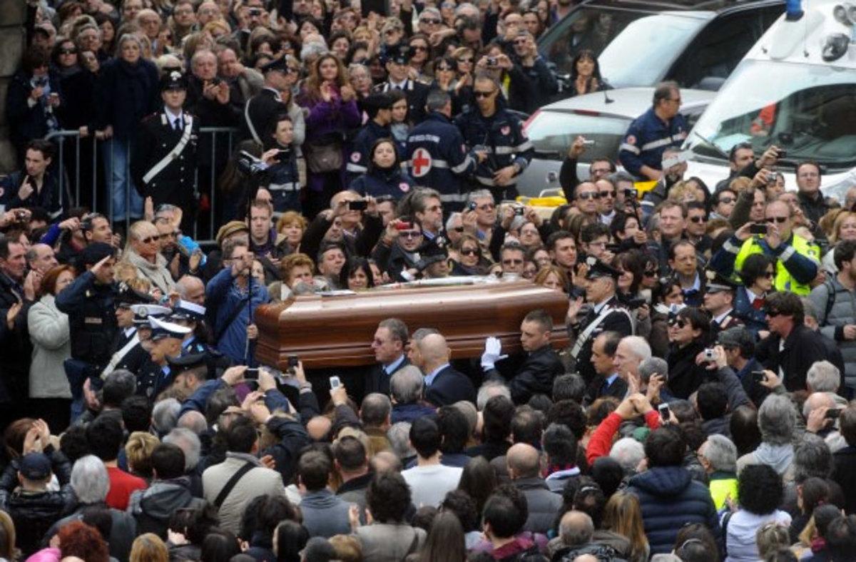 Η Ιταλία αποχαιρέτισε τον Λούτσιο Ντάλλα | Newsit.gr