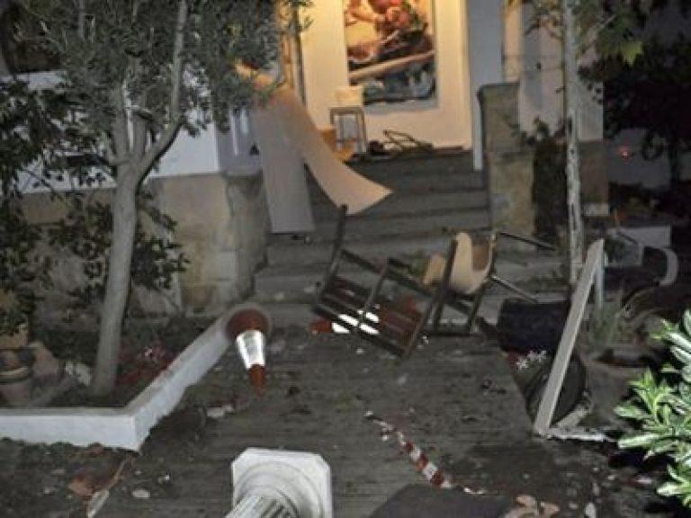 Πάτρα: Καταστροφές και ξύλο σε μια… αμιγώς αντρική κουβέντα! | Newsit.gr