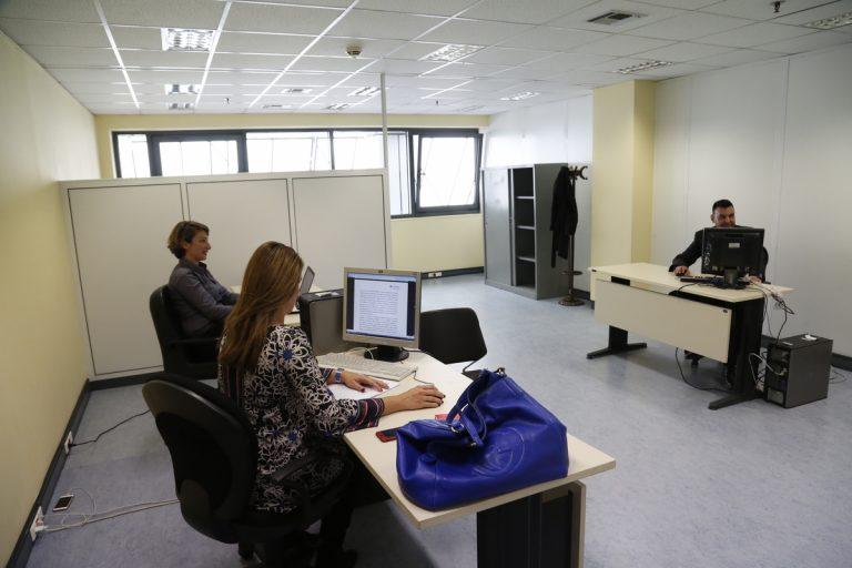 Δημόσιο, ΙΚΑ,  ΔΕΚΟ, τραπεζες :Πως και ποιοι δικαιούνται σύνταξη από 55 ως 60 ετών [Πίνακες]   Newsit.gr