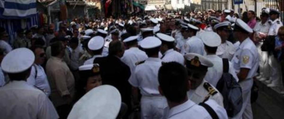 Στους δρόμους από σήμερα οι ένστολοι! Πρώτα οι αστυνομικοί, οι λιμενικοί και οι πυροσβέστες | Newsit.gr