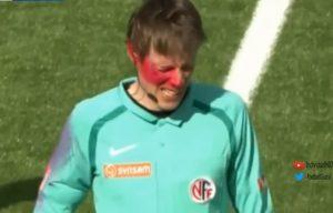 Επίθεση με σπρέι! Έβαψε το πρόσωπο του βοηθού διαιτητή [vid]