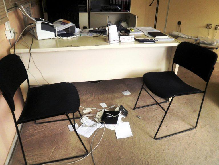 Άρτα: Έκλεψαν δικαιολογητικά για άδειες παραμονής! | Newsit.gr