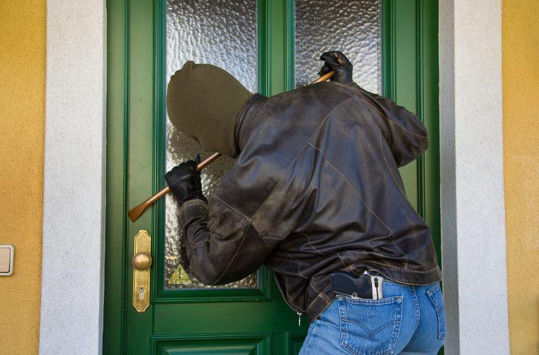 Ηράκλειο: «Άδειασαν» σπίτι δίπλα στο Αστυνομικό Τμήμα | Newsit.gr